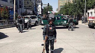 Καμπούλ: Απανωτές βομβιστικές επιθέσεις και ανταλλαγή πυρών