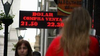 Staatsbankrott, Hyperinflation, Jobkrise - Argentinien bittet IWF nach Achterbahnfahrt wieder um Hilfe