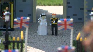 Casamento real feito de Legos