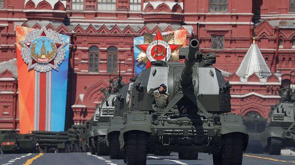 Putin exibe tanques, caças e novo míssil no Dia da Vitória