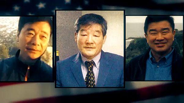 Imagem dos 3 norte-americanos libertados pela Coreia do Norte