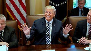 ترامب يهدد إيران علنا لإجبارها على التفاوض بشأن النووي