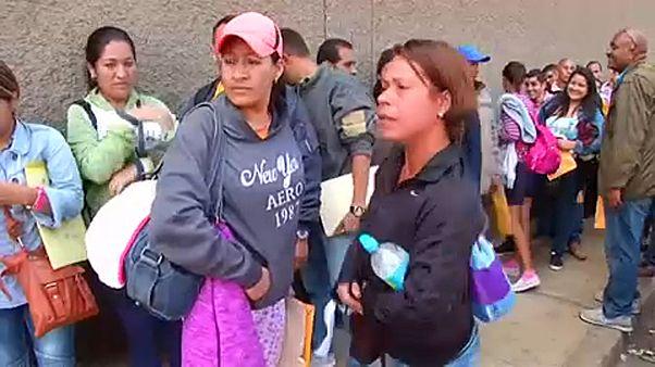 Bűnszervezetek utaznak a Venezuelából elmenekült fiatal nőkre
