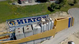 İsviçre'de leylek yuvası inşaat çalışmalarını durdurdu