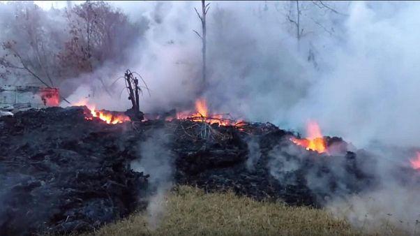 Kilauea volcano eruption could spray rocks for kilometers