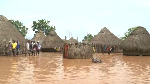 شکسته شدن سدی در کنیا دست کم ۴۷ کشته برجای گذاشت