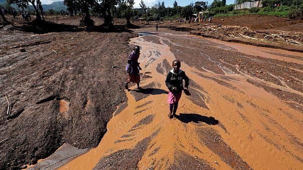 Decenas de muertos en Kenia tras reventar una presa