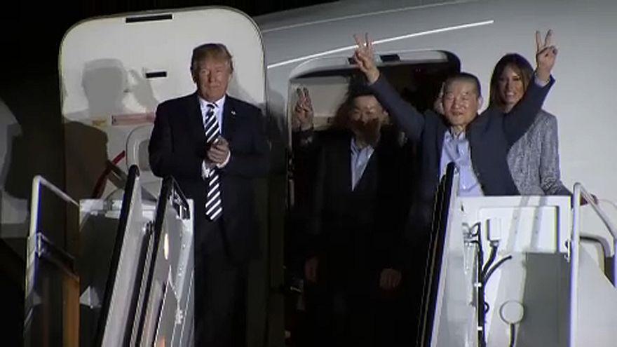 Trump várta az Észak-Koreából hazatért amerikai foglyokat
