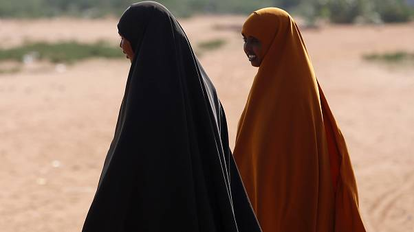 الصومال: رجم سيدة حتى الموت بسبب جمعها بين 11 زوجا