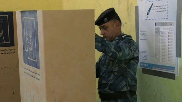 Irak : les policiers et militaires, premiers à voter