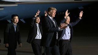 Trump recibe triunfante a los tres rehenes liberados por Corea del Norte