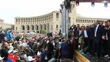 Crowds in Yerevan, Armenia listen to Nikol Pashinyan