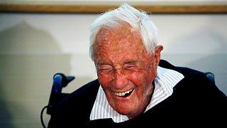 دیوید گودال، پیرترین دانشمند استرالیا در سوئیس به زندگی خود پایان داد