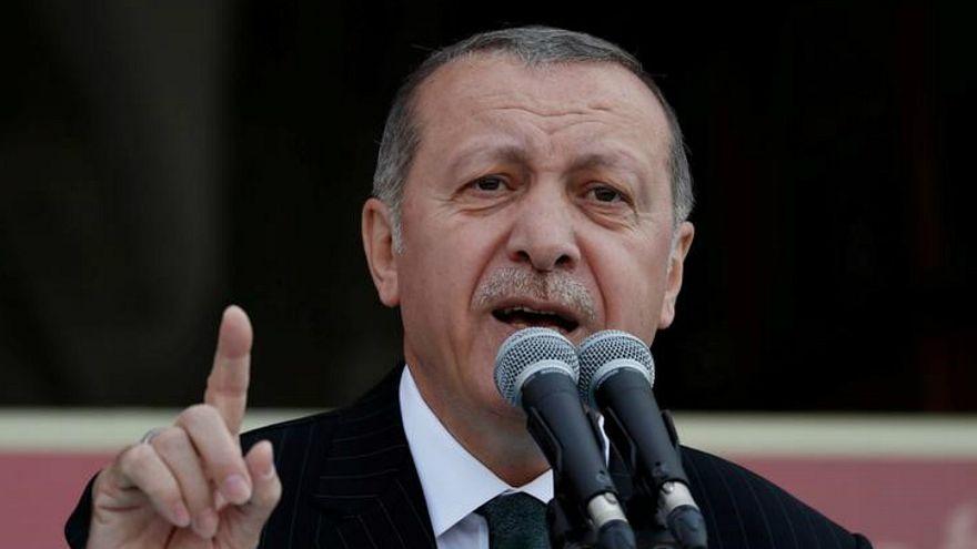 فرض قيود على الدراسات الفرنسية في تركيا بعد دعوة باريس لحذف آيات من القرآن