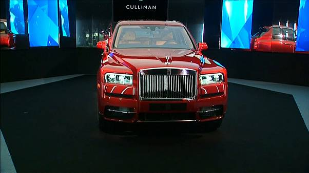 Rolls Royce lança primeiro SUV