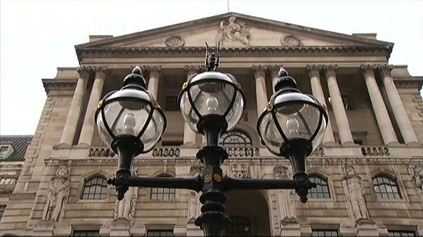 Банк Англии сохранил базовую процентную ставку