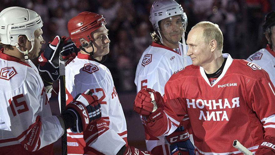 Vladimir Poutine sur la glace de Sotchi