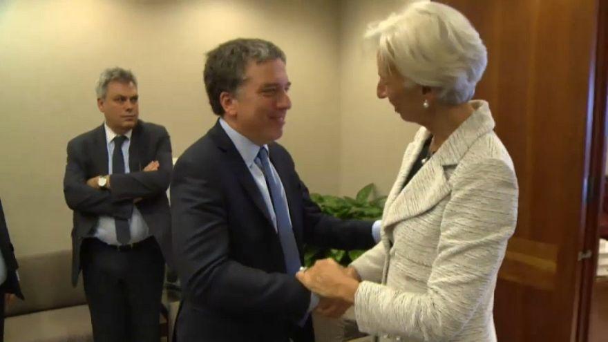 Argentina negocia con el  FMI un préstamo que impondrá condiciones