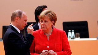 الرئيس الروسي فلاديمير بوتين والمستشارة الألمانية أنجيلا ميركل في هامبورغ