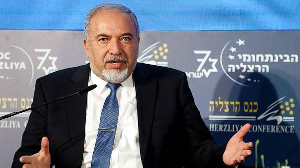 درخواست لیبرمن، وزیر دفاع اسرائیل از سوریه برای خارج کردن نیروهای ایرانی