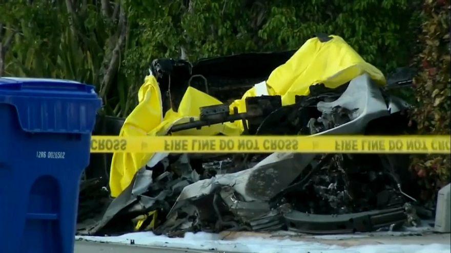 Tesla otomobili ölümlü kazaya sebep oldu