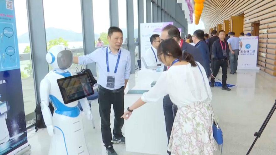 Çin'de robot ve yapay zeka entegrasyonunun geleceği tartışılıyor