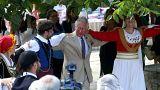 Στην Κρήτη ο Κάρολος και η Καμίλα: Χοροί, μαντινάδες και...κρασί!
