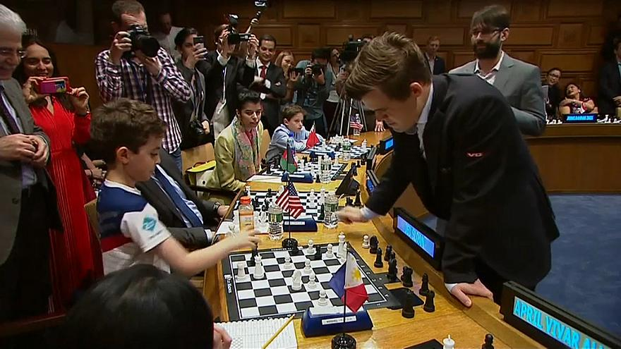 Магнус обыграл мир в шахматы