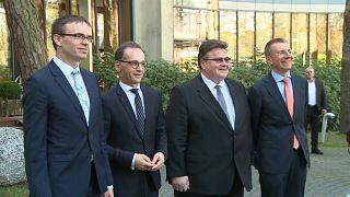 Die Außenminister von Estland, Deutschland, Litauen und Lettland (vlnr)