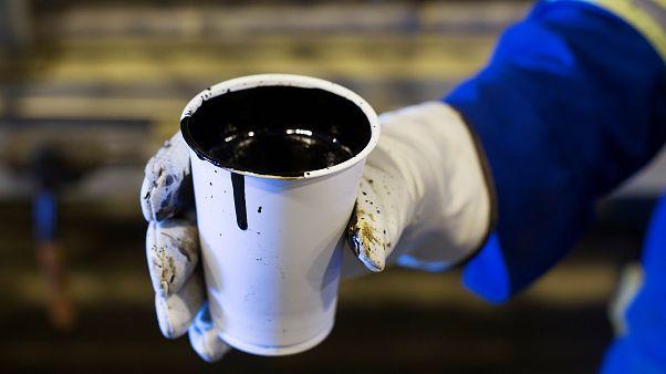 Стакан канадской нефти из Форт МакМеррей