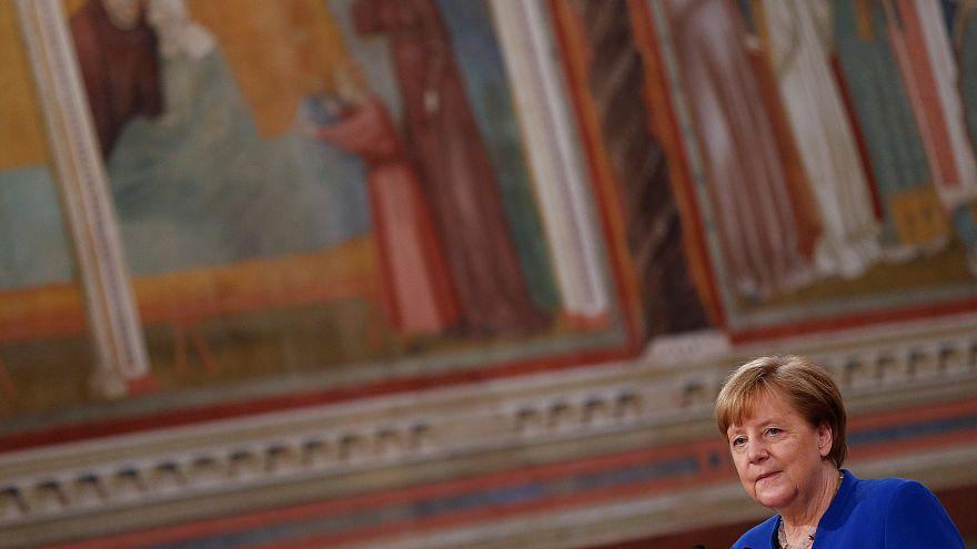 Merkel recebe prémio da paz da ordem franciscana