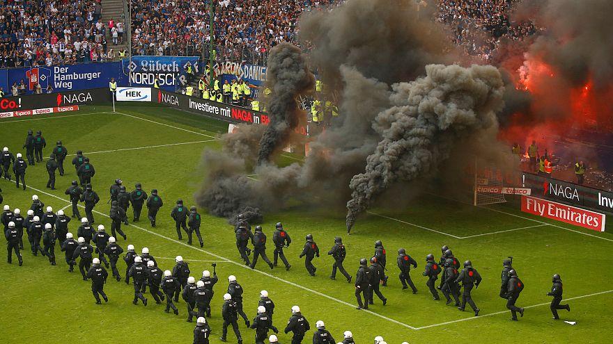 Hamburgo despromovido, revolta no estádio