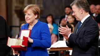 أنغيلا ميركل تفوز بجائزة مصباح الفرنسيسكان للسلام