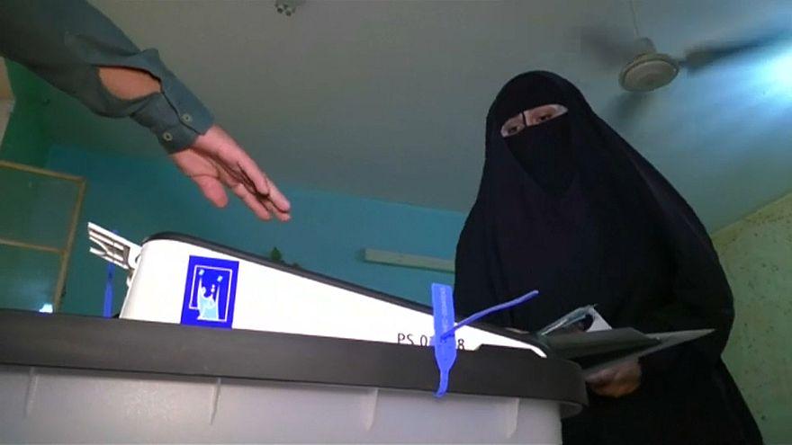 Иракцы голосуют на парламентских выборах