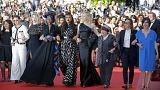Cate Blanchett lidera desfile pela paridade na passadeira de Cannes