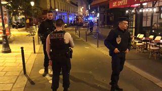 Autor de ataque à faca em Paris é um homem nascido na Chechénia, fonte judicial