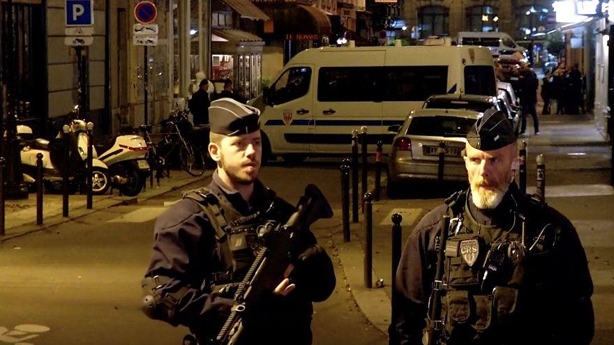 Messerangriff in Paris: Ermittler gehen Terrorverdacht nach