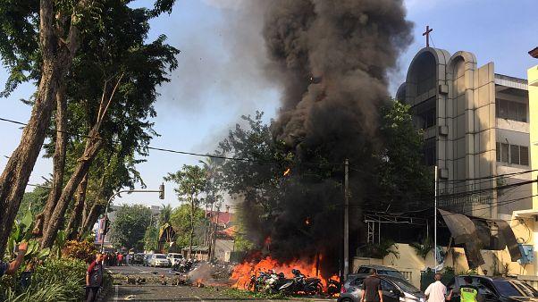 Ινδονησία: Μπαράζ επιθέσεων αυτοκτονίας σε εκκλησίες