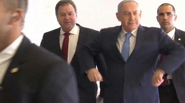 Netanyahu fa il pollo per celebrare la vittoria all'Eurovision
