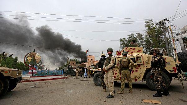 El grupo Estado Islámico se atribuye la autoría del atentado contra un edificio gubernamental en el este de Afganistán