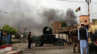 Afghanistan, almeno 15 morti nell'attacco a un edificio governativo