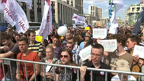 Hundreds demand internet freedoms in Moscow rally