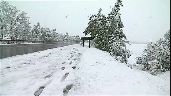 شاهد: الثلوج تغطي مناطق بجنوب فرنسا وسط موسم الربيع