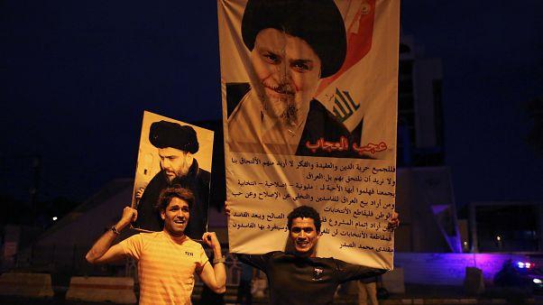 Partidarios del clérigo Muqtada al Sadr celebran los resultados en Bagdad