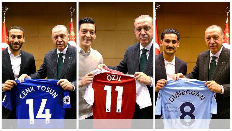 Erdoğan İngiltere'de Türk futbolcularla buluştu