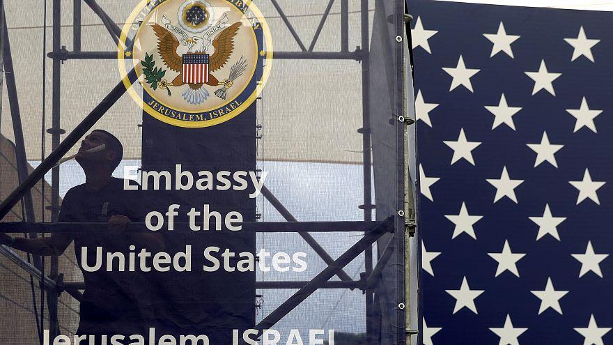 كل ما تريد أن تعرفه عن نقل السفارة الأميركية إلى القدس