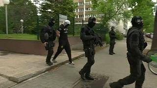 الشرطة الفرنسية تعتقل صديقا لمنفذ اعتداءات الطعن في باريس