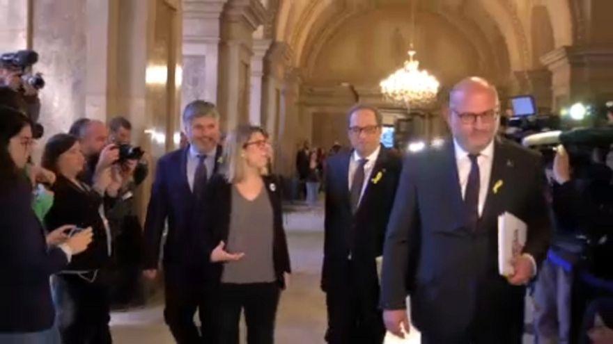 Az ellenzék Puigdemont-t látja Torrában