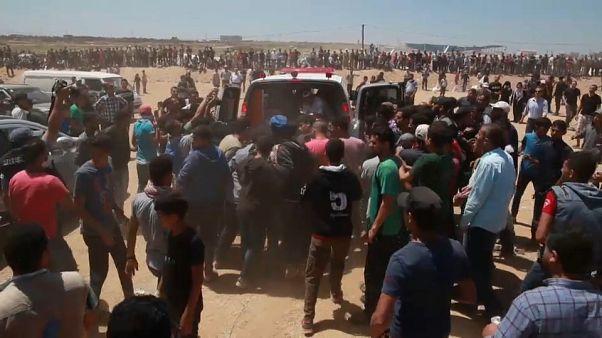 Gazze sınırındaki protestolarda onlarca Filistinli hayatını kaybetti