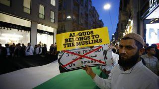 La Turchia condanna Israele e gli Stati Uniti, richiamati gli ambasciatori